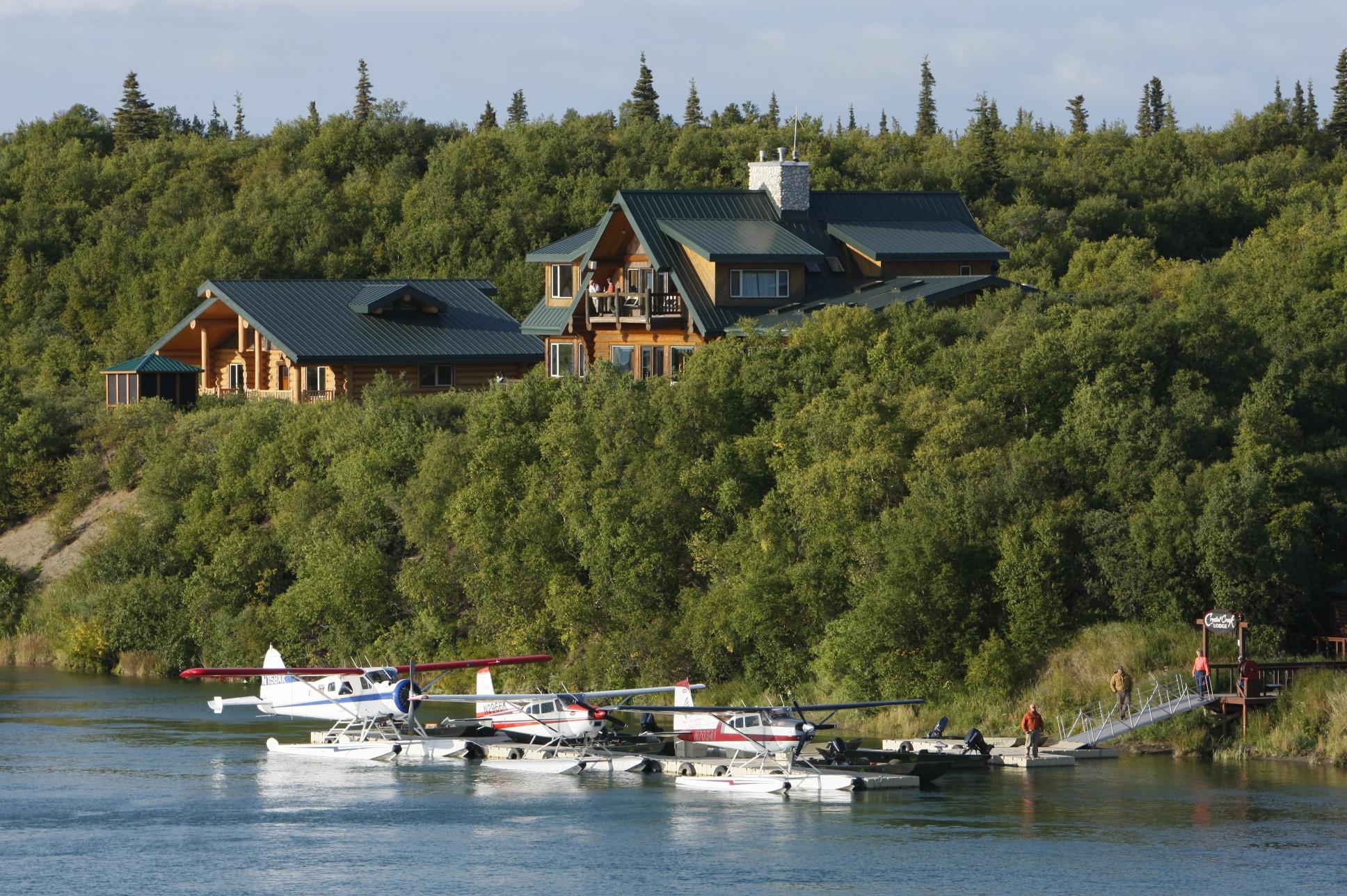 Fishing lodges alaska for Alaska fishing lodge