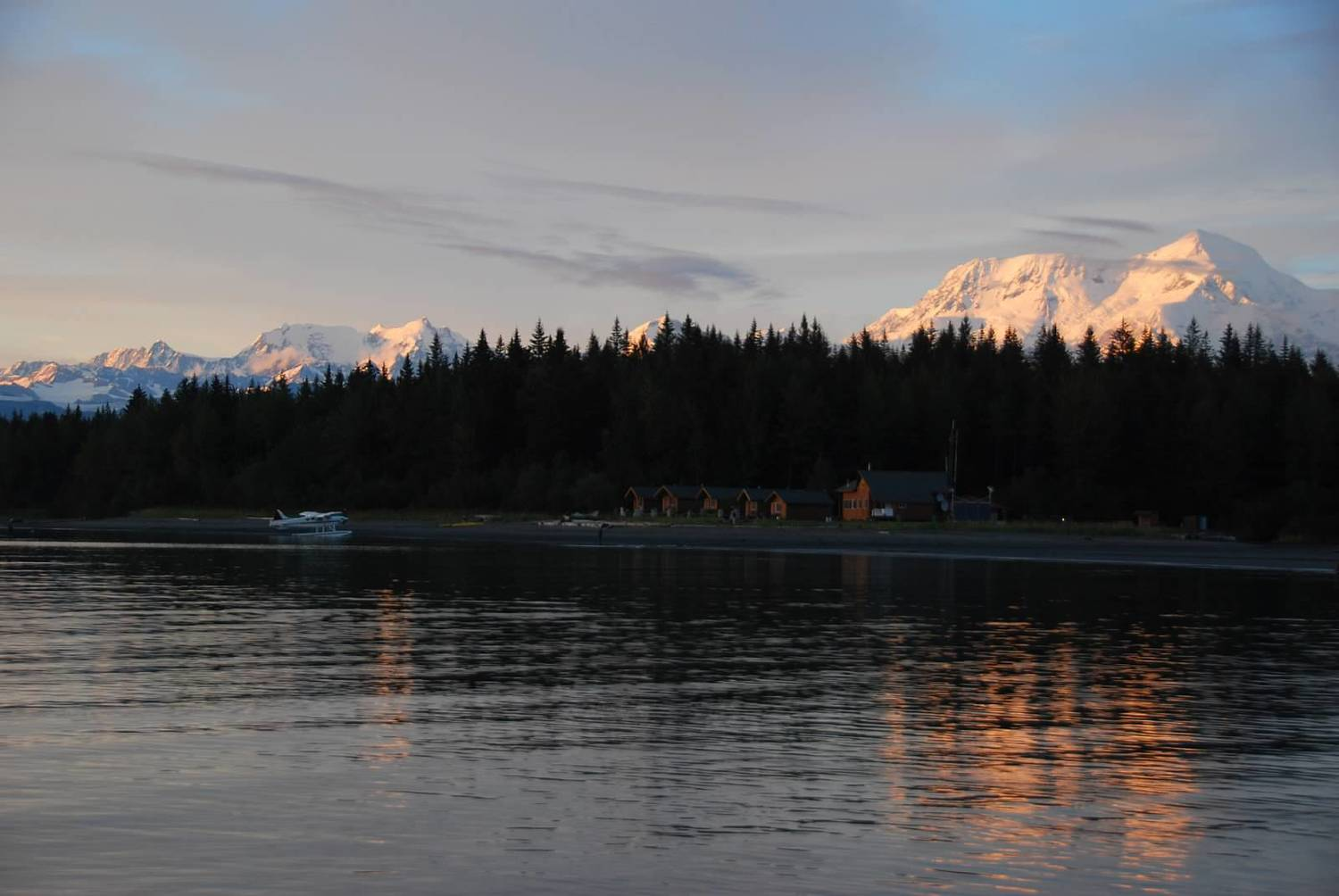 Alaska fishing lodge icy bay lodge alaska fly out for Fishing lodges in alaska